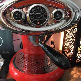 Illy coffee machine for sale!
