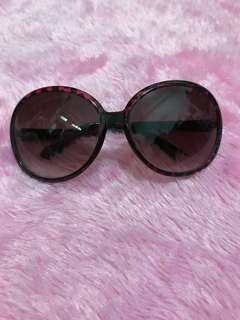 Ou Feng Pinkish Black Sunglasses