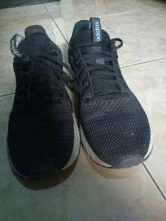 Sepatu adidas questar BYD