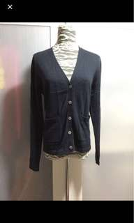 Navy blue cardigan ( no bargaining)