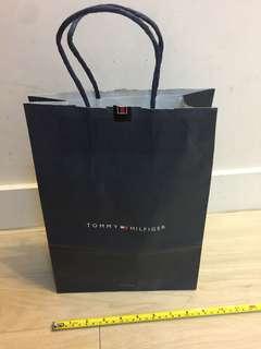 Tommy Hilfiger 紙袋