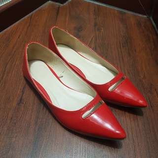 VNC Red Flat Shoes Pointy