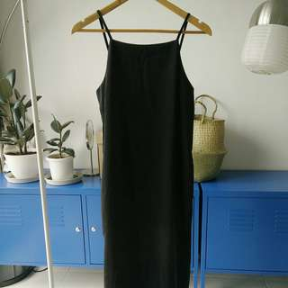Zalora black midi dress