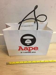 Aape 紙袋