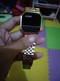 jam tangan nixon gold kw