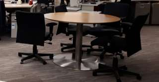 meja kerja + 2 kursi kerja
