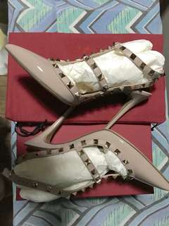 Authentic Valentino Rockstud Heels in Nude - size 38.5