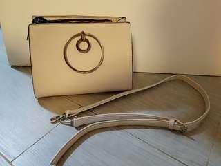 OL米色手提包