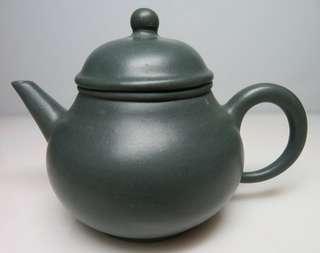 🚚 [老茗器]紫砂壺~天青泥 芭樂壺 單孔出水 中國宜興 240CC