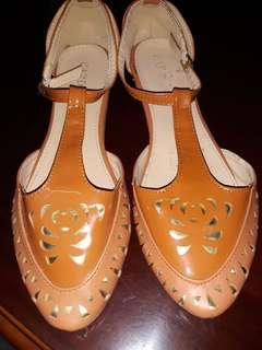 Brown sandals 9