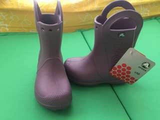 全新 Crocs rain boot size C10 小朋友水鞋