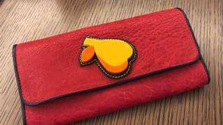 Miu Miu紅色限量版wallet (全新)