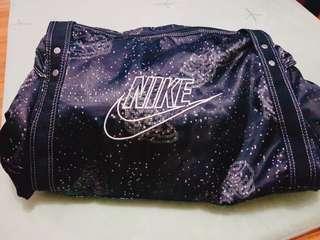 Nike medium gym bag