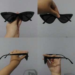 Kacamata Hitam Desain Cat Eye untuk Pria / Wanita import
