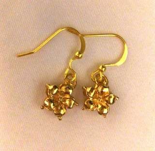 🚚 Handmade Gold tone flower Earrings
