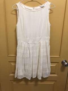 🚚 米白小洋裝