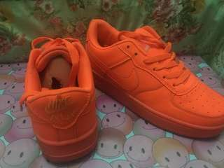 Nike Air Size 39 Color Oranye