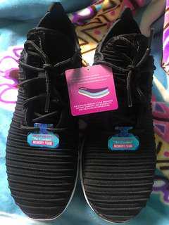 BN Skechers shoe