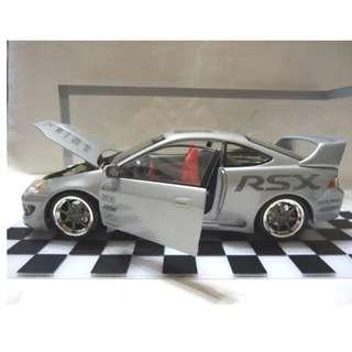🚚 天地 藝品 1:18 HONDA ACURA RSX 2002 原廠 改裝 車 超 稀有 車款 我強調 我很 獨特 !