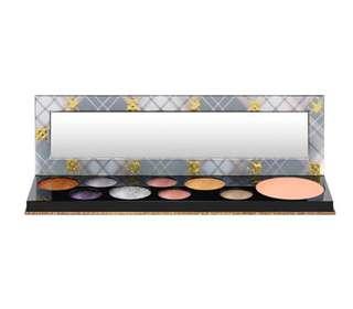 🚚 M.A.C Girls Qween Supreme Eyeshadow Palette