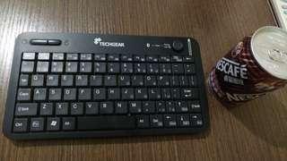99%新藍牙鍵盤 @$70