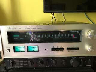 Accuphase T101 vintage tuner