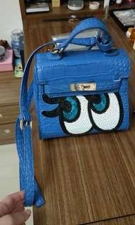 🚚 韓國眼睛背包降價在賣😂有喜歡價錢可以商量