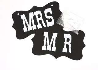 MR & MRS Sign in Black