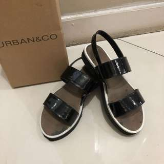 Charlie Sandals by URBAN&Co.
