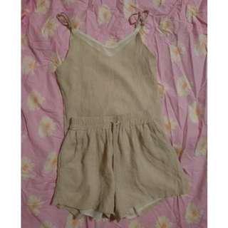 兩件式套裝 V領細肩帶無袖上衣+高腰鬆緊抽繩短褲 粉色