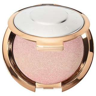 Becca Light Chaser Highlighter In Opal Flashes Jade