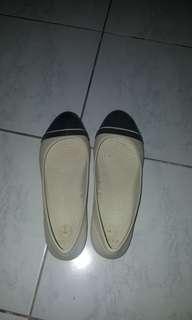 Crocs flats w8