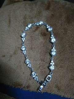 Swarovski diamond stone brecelet