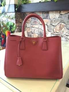 *AUTHENTIC* Prada Saffiano Leather Bag - LARGE