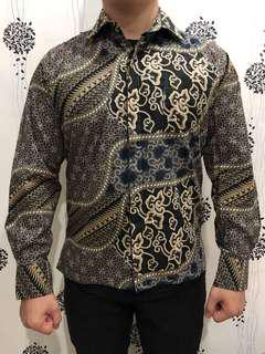 Self-cutting batik for men