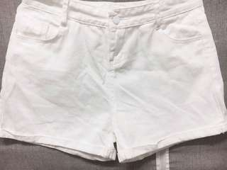 🚚 郵寄免運📦白色小反折短褲