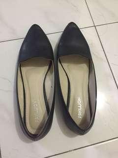 Flatshoes pavilion