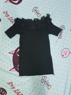 Black ruffles off shoulder knitted top