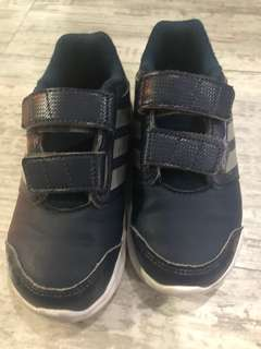 Adidas toddler sport shoes .. very good condition !