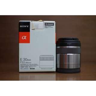Sony 30mm F3.5 Macro Lens SEL30M35