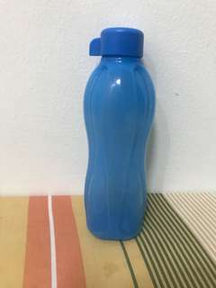 Blue Tupperware Bottle