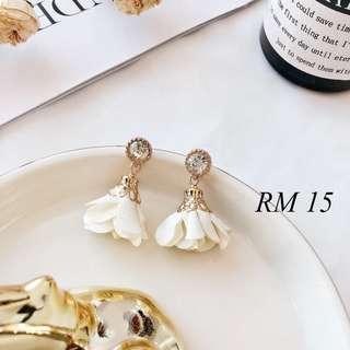 Korean design diamond floral petal earrings