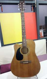 Acoustic Guitar - Left Handed w Cutaway