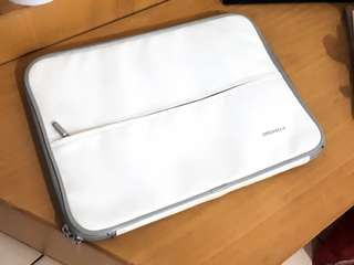 White Laptop Sleeve SlimFit 13""