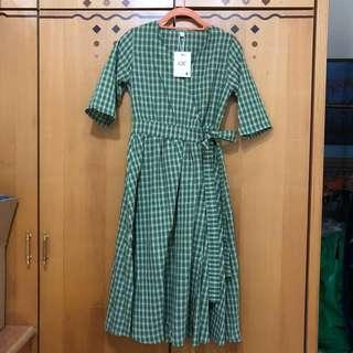 🚚 綠格紋一片式綁帶洋裝