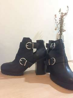 pull n bear ankle boots LIKE NEW