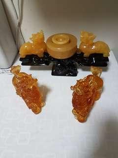 黄玉聚宝盆貔貅和古法琉璃貔貅