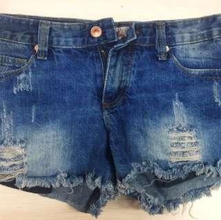 🚚 藍色牛仔短褲