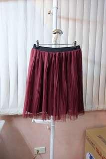 Uniqlo pleated skirt
