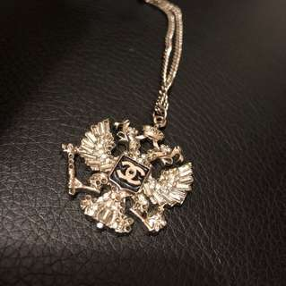 Chanel necklace pandent